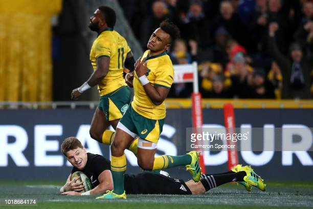 Beauden Barrett of the All Blacks scores a try during The Rugby Championship Bledisloe Cup match between the Australian Wallabies and the New Zealand...