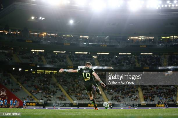 Beauden Barrett of the Hurricanes kicks a conversion during the round 13 Super Rugby match between the Blues and the Hurricanes at Eden Park on May...
