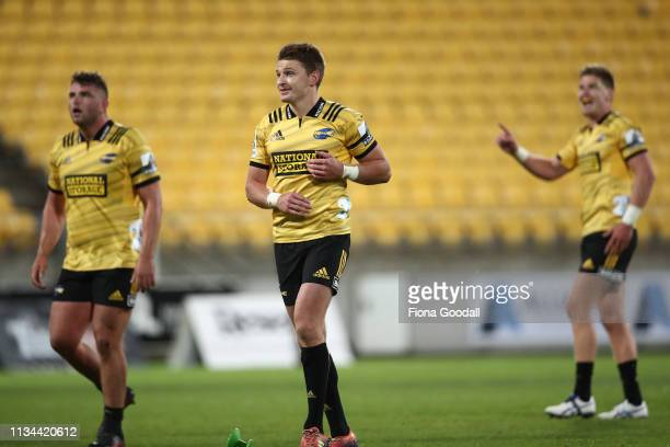 Beauden Barrett of the Hurricanes kicks a penalty to win the match during the round 4 Super Rugby match between the Wellington Hurricanes and Otago...