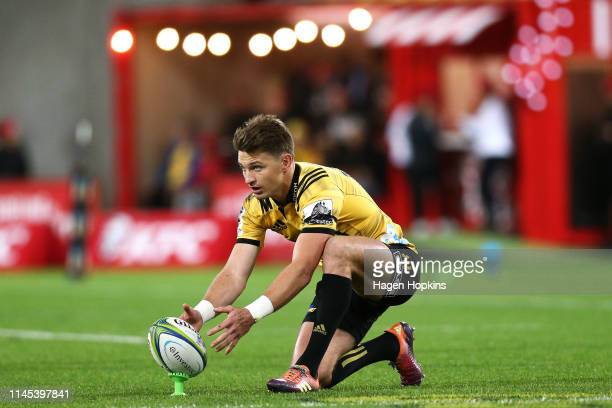 Beauden Barrett of the Hurricanes lines up a kick during the round 11 Super Rugby match between the Hurricanes and Chiefs at Westpac Stadium on April...