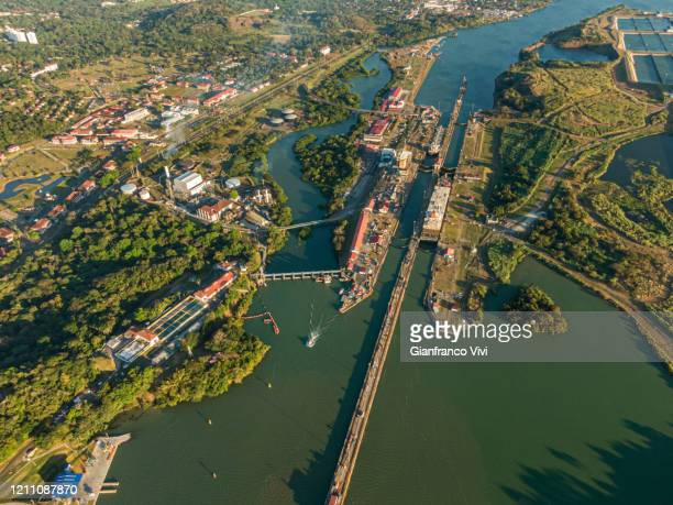 beautiful aerial view of the beautiful aerial view of the panama channel - canale foto e immagini stock