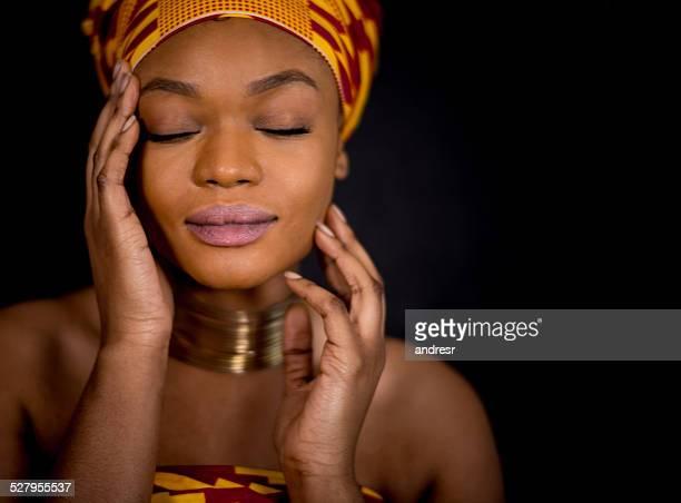 Schöne afrikanische Frau