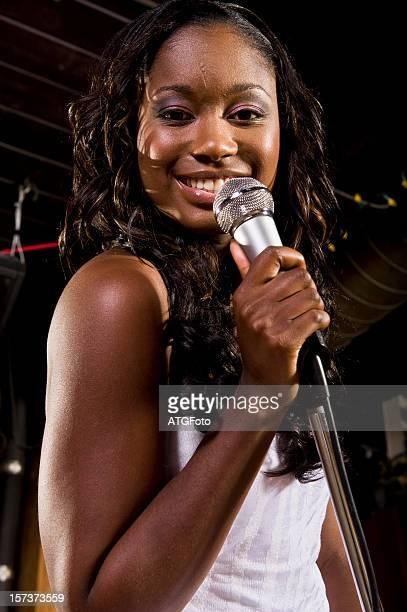 Linda mulher afro-americana Blues Cantor