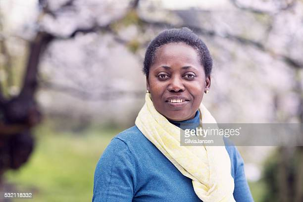 beautiful afro american mature woman portrait - 40 49 jaar stockfoto's en -beelden