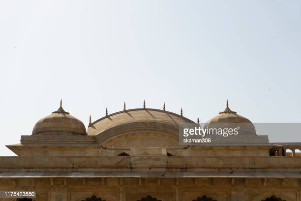 beautiful architecture  amber fort and mughal empire at jaipur  rajasthan india - agra jama masjid mosque stockfoto's en -beelden