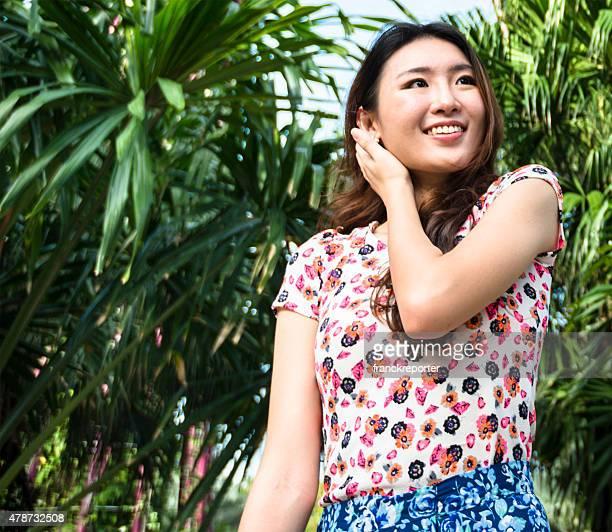 美しいアジアの女性のポートレート