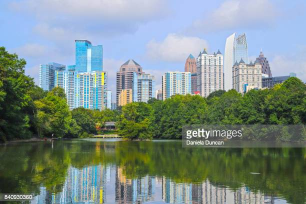 beautiful atlanta - atlanta skyline stock pictures, royalty-free photos & images