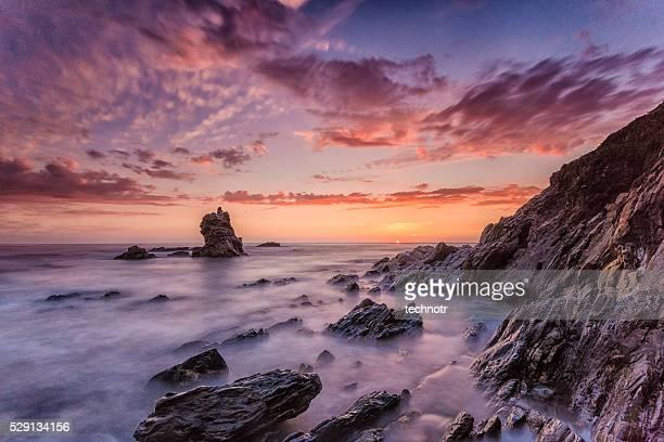 美しい大西洋のビーチでポルトガル日没に