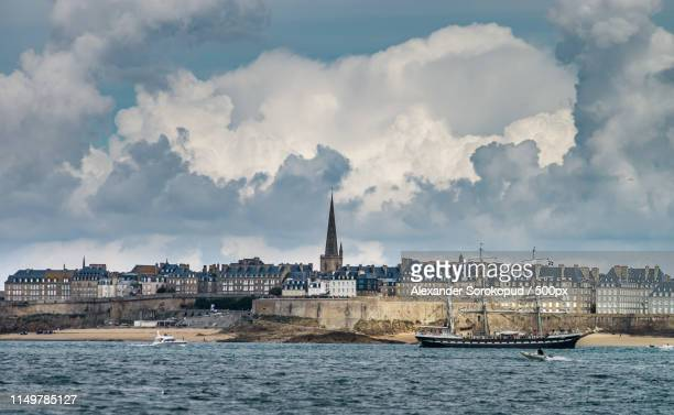 beautiful autumnal view of st-malo, old pirate city - dinard stock pictures, royalty-free photos & images