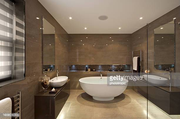 beautiful bathroom suite - toilet stockfoto's en -beelden