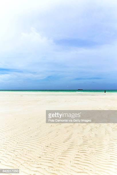 Beautiful beach at Bahamas, caribbean ocean and idyllic islands in a sunny day