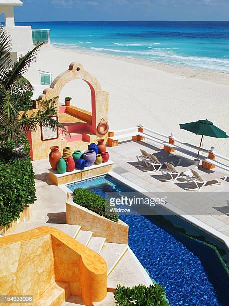 beautiful beach at cancun mexico - quintana roo stock photos and pictures
