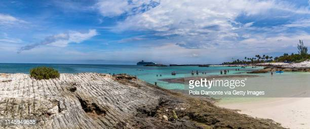 beautiful beach in great stirrup cay, bahamas, caribbean ocean and idyllic islands in a sunny day - grand bahama stock photos and pictures