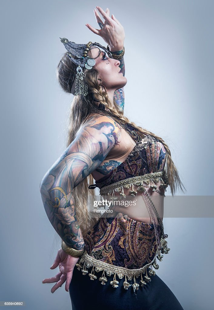 Beautiful Belly Dancer : Stock Photo
