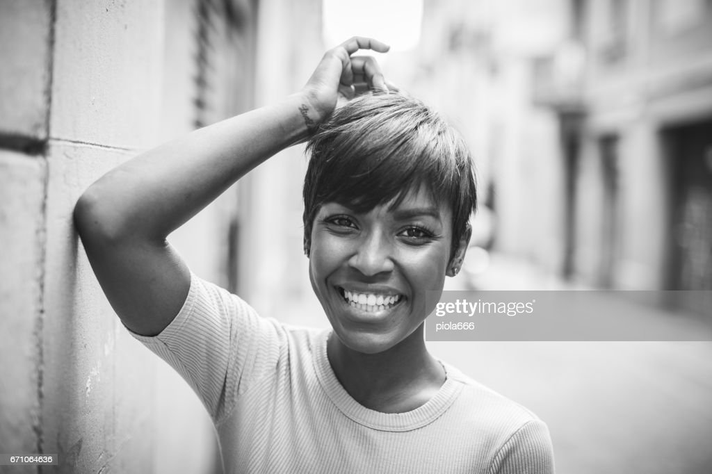 Beautiful black woman portrait in monochrome : Stock Photo