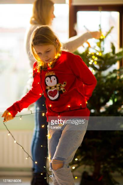 beautiful blonde dutch family at christmas - 6 11 months stock pictures, royalty-free photos & images