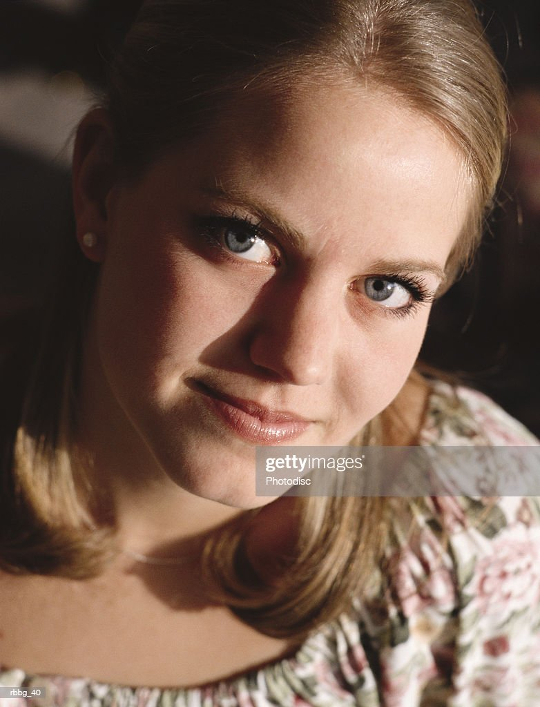 beautiful blonde woman smiling : Stockfoto