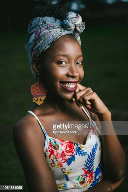 beautiful brazilian african woman - hoop earring stock pictures, royalty-free photos & images