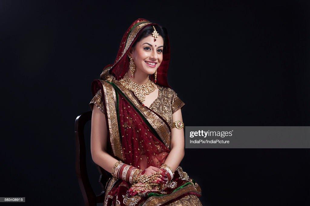 Beautiful bride smiling : Stock Photo