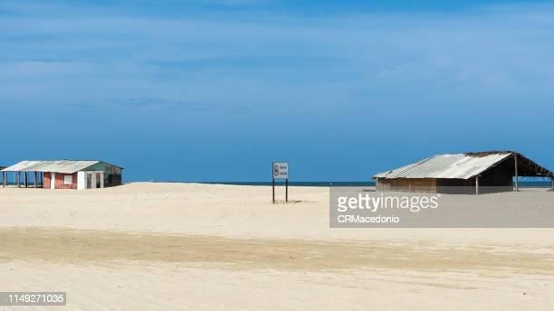 beautiful buildings on the edge of the beach. - crmacedonio fotografías e imágenes de stock