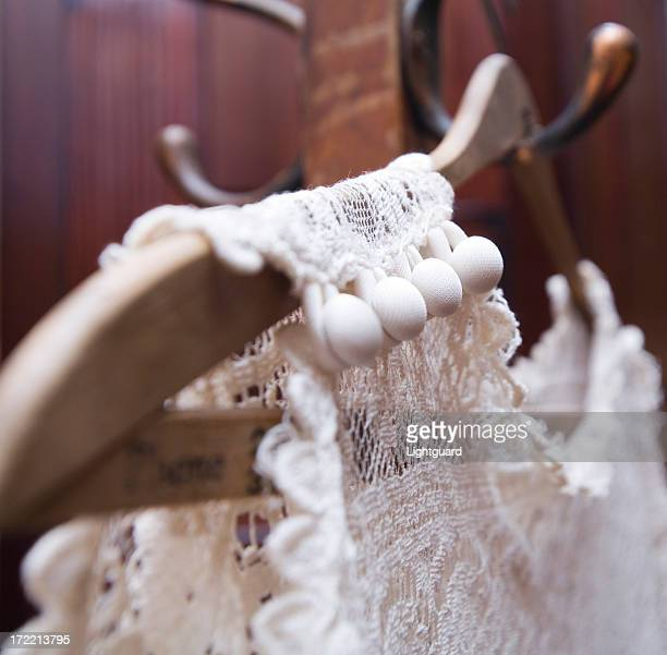 Beautiful buttons om vintage lace wedding dress