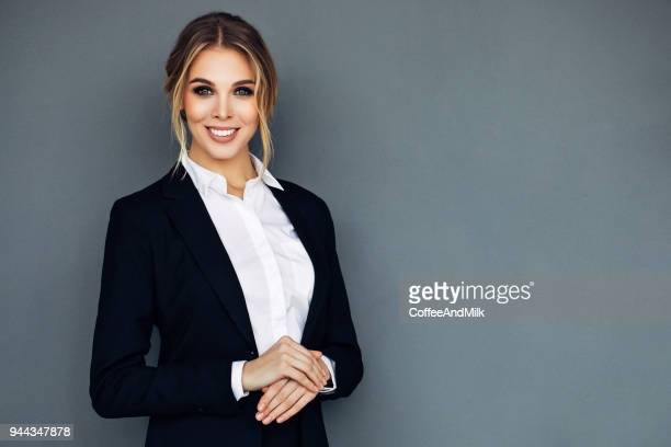 beautiful cheerful business woman - giacca foto e immagini stock