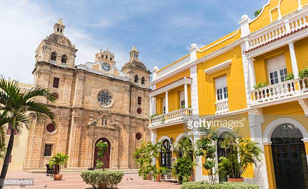 beautiful church in cartagena - colombia - südamerika stock-fotos und bilder