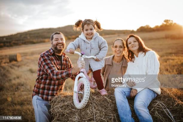 vacker dag på landet - aunt bildbanksfoton och bilder