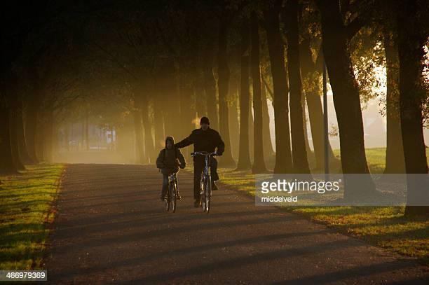 beautiful daybreak scene - dauw stockfoto's en -beelden
