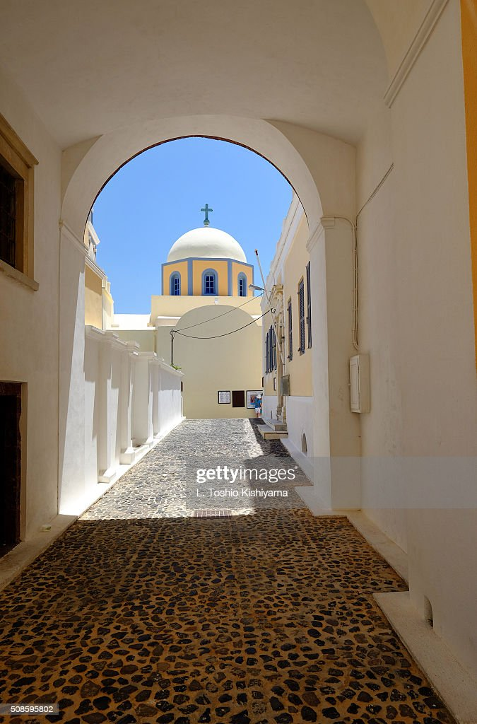 Beautiful dome church in Fira Village in Santorini, Greece : Stock-Foto