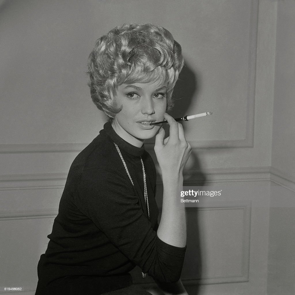 magda knopke modeling twist hairstyle pictures | getty images