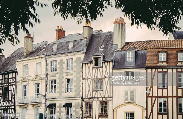 beautiful facades in poitiers (france) - ポワティエ ストックフォトと画像