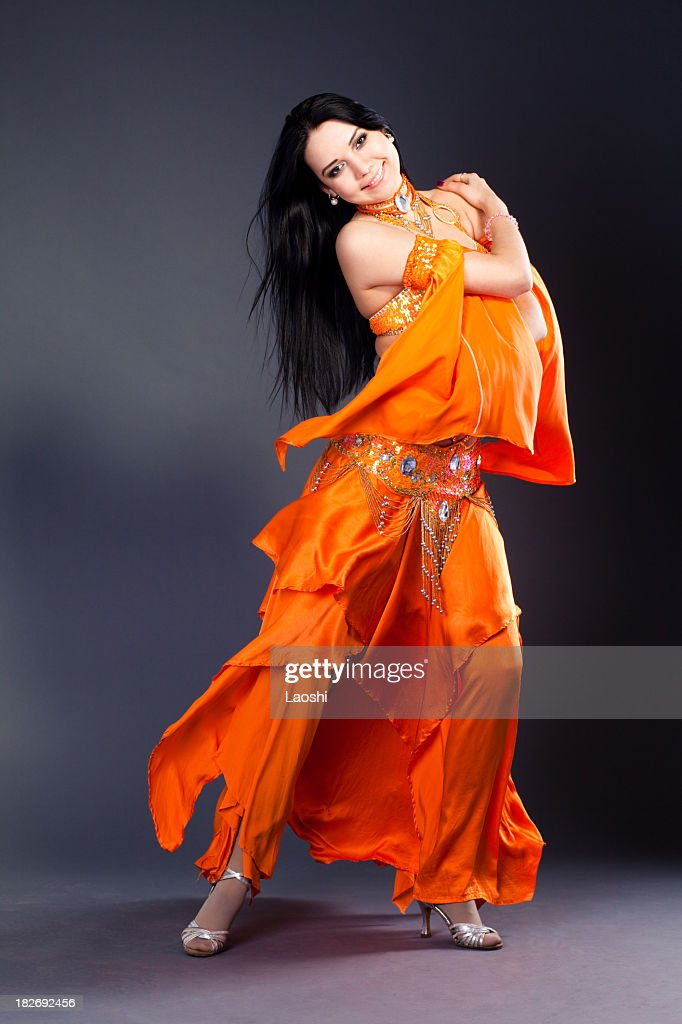 Beautiful girl dancer of Arabic dance : Stock Photo