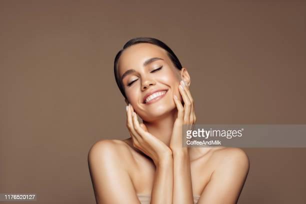 preciosa - belleza fotografías e imágenes de stock