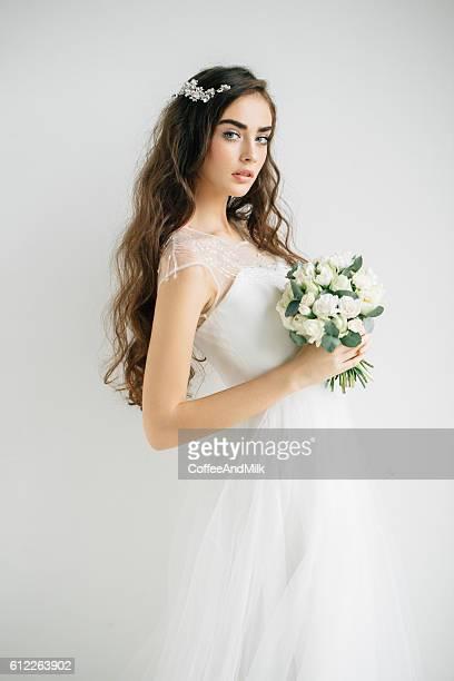 Linda Menina com Coroa de flores