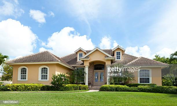 beautiful house in florida - southern usa stock pictures, royalty-free photos & images