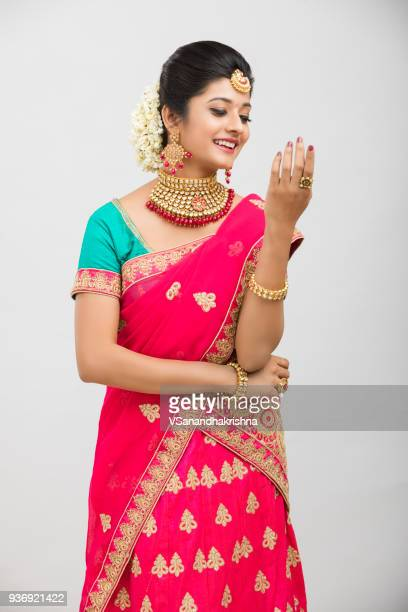 beautiful indian girl in traditional outfit with jewelry - sari stock pictures, royalty-free photos & images