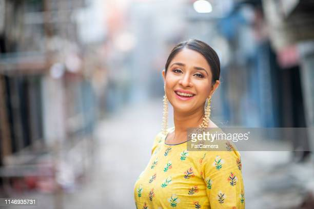 beautiful indian woman - hinduism stock pictures, royalty-free photos & images