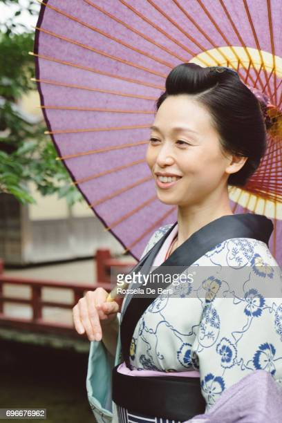 beautiful japanese woman wearing kimono - lypsekyo16 stock pictures, royalty-free photos & images