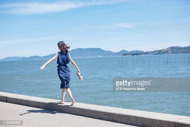 beautiful japanese women in her twenties - 心の平穏 ストックフォトと画像