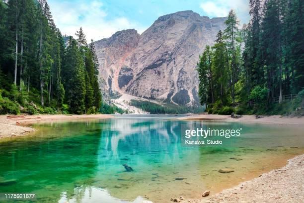 美しいブレイズ湖, イタリア - トレンティーノ ストックフォトと画像