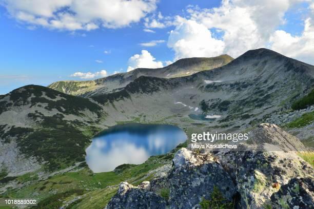 beautiful lake in pirin mountain, bulgaria - pirin mountains stock pictures, royalty-free photos & images