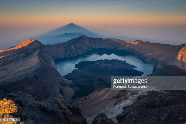 beautiful landscape from summit of rinjani active volcano mountain, lombok island, indonesia - lombok fotografías e imágenes de stock