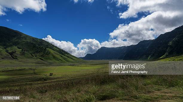 beautiful landscape in mount bromo national park - mt semeru stock pictures, royalty-free photos & images