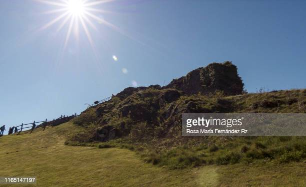 beautiful landscape in scottish highlands with sun shining, drumnadrochit, inverness - drumnadrochit stock pictures, royalty-free photos & images