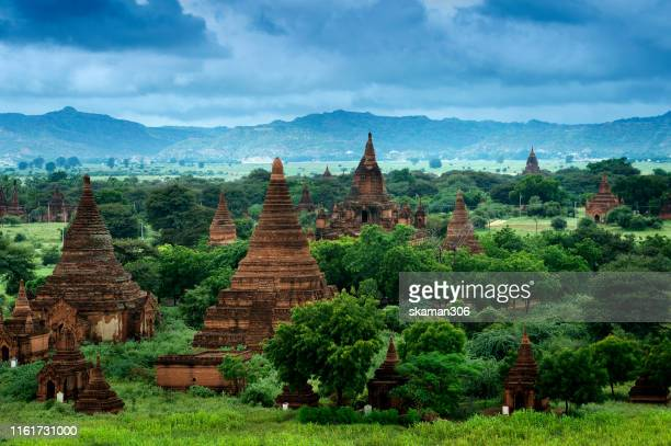 beautiful landscape of ruin pagodas at bagan and bagan is unesco's world heritage site near ayeyarwady river in the central plain of myanmar - unesco stockfoto's en -beelden