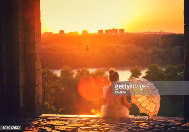 princesita hermosa al atardecer - imagenes de belgrado fotografías e imágenes de stock