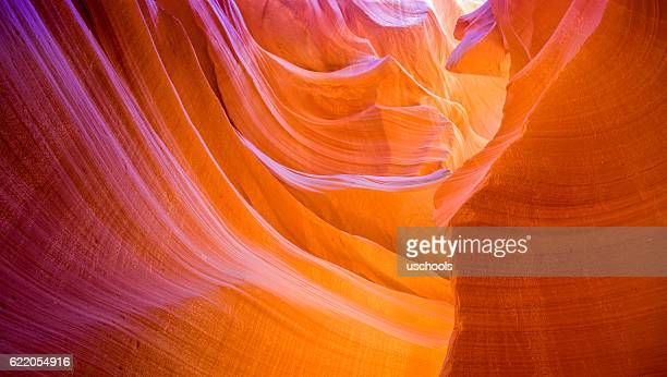 beautiful lower antelope canyon - cañón tipo de valle fotografías e imágenes de stock