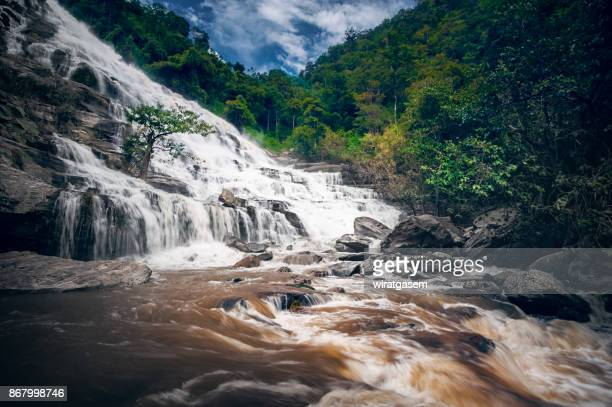 beautiful mae ya waterfall in chiangmai, thailand - wiratgasem stock photos and pictures