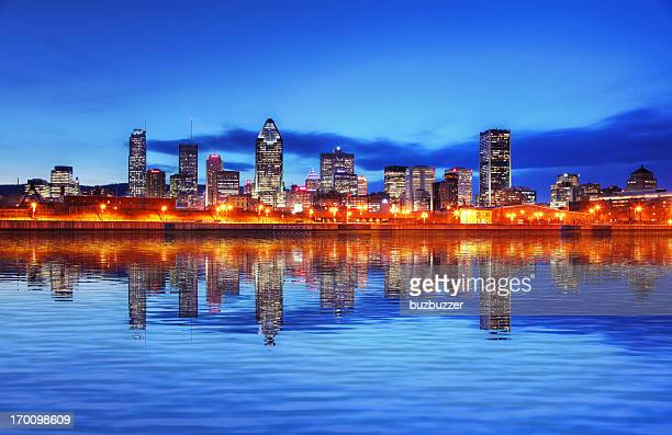 夕暮れの美しいモントリオールの街並み - buzbuzzer ストックフォトと画像